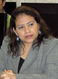 Flor Angel Jimenez, una diputada de noche
